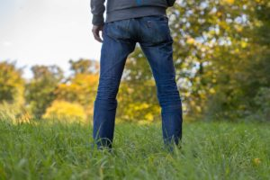 Best Men's Jeans for Flat Buttocks – Our Top Picks